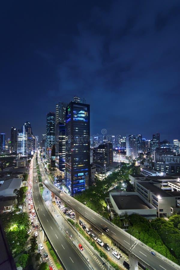 Cavalcavia e grattacieli in Kuningan CBD Jakarta immagine stock