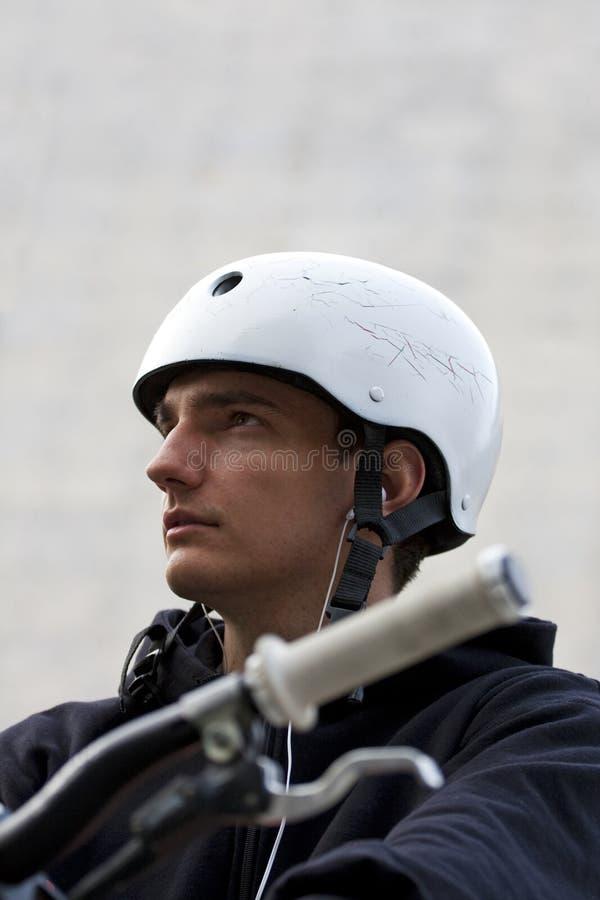 Cavaleiro da bicicleta imagens de stock royalty free