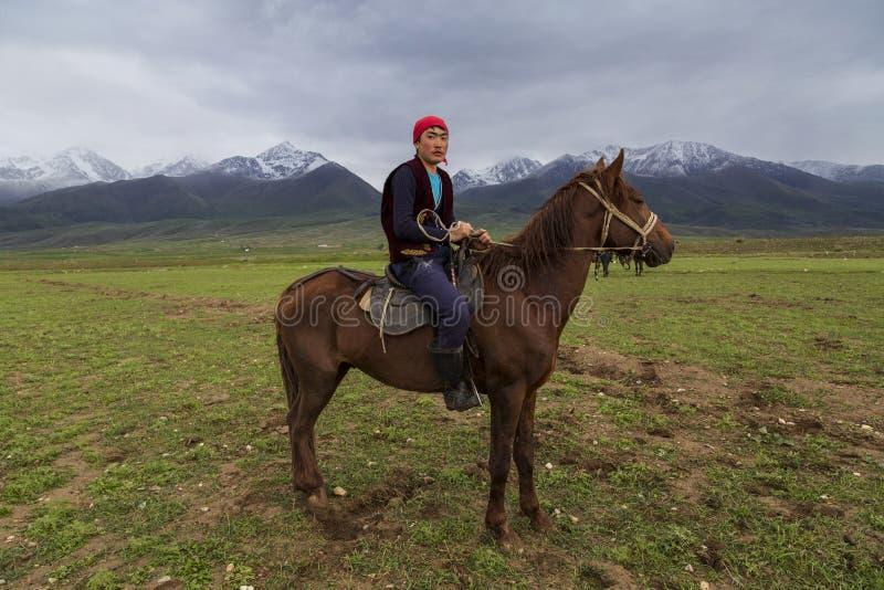 Cavaleiro do cavalo do nômada fotos de stock