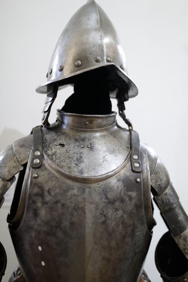 Cavaleiro europeu medieval Armor fotografia de stock royalty free