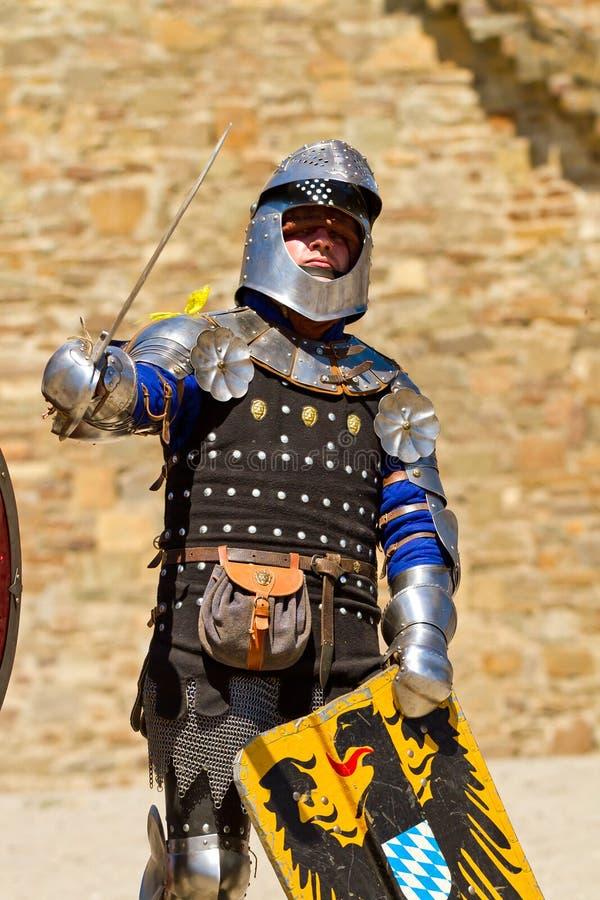Cavaleiro no festival histórico na fortaleza de Sudak imagens de stock