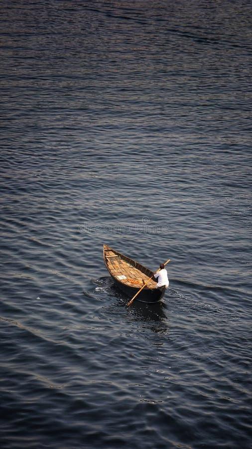Cavaleiro só do barco fotos de stock