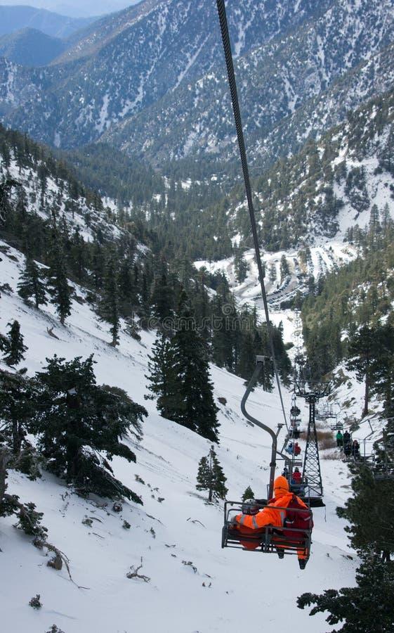 Elevador de cadeira do Mt. Baldy foto de stock
