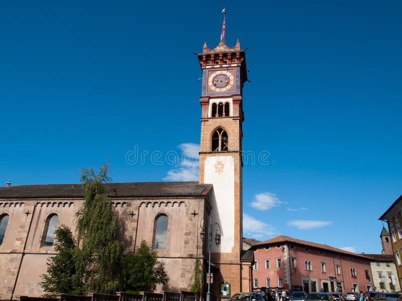 Download Cavalese, Италия стоковое изображение. изображение насчитывающей башня - 33737949