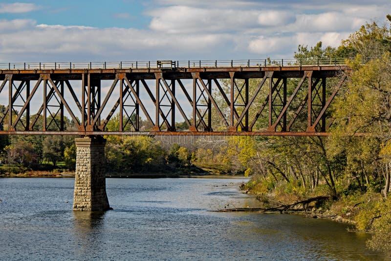 Cavalete de envelhecimento do trem em Cambridge, Ontário foto de stock