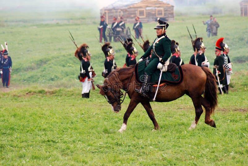 Cavalier de cheval à la reconstitution historique de bataille de Borodino en Russie photos stock