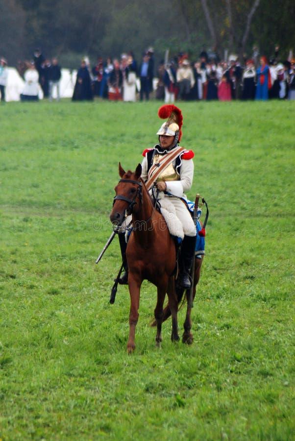 Cavalier de cheval à la reconstitution historique de bataille de Borodino en Russie images stock