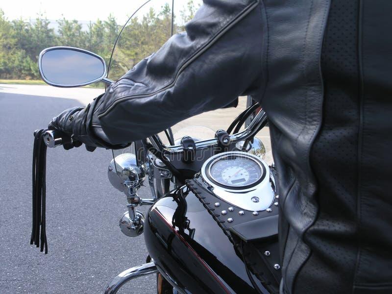Download Cavaliere 2 del motociclo fotografia stock. Immagine di nero - 3137154