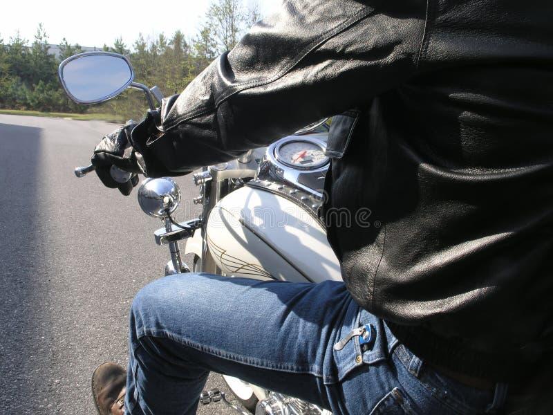 Download Cavaliere del motociclo fotografia stock. Immagine di motore - 3137172