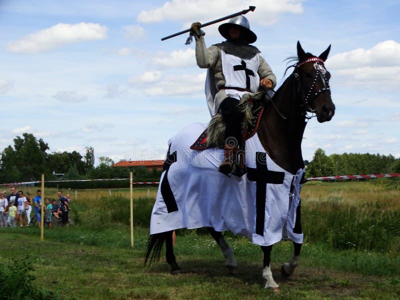 Cavalieri che jousting, castello di Wenecja, Polonia fotografie stock