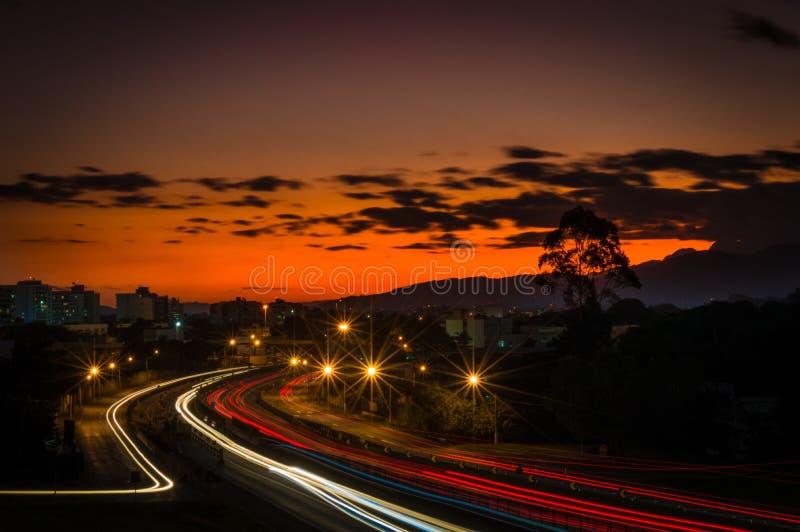 Cavalieri di tramonto fotografia stock