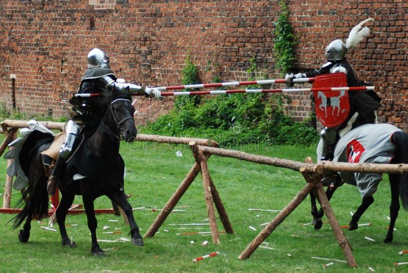 Cavalieri medioevali che jousting fotografia stock libera da diritti
