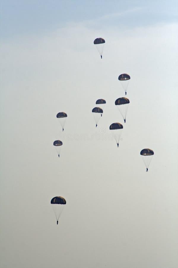 Cavaliers de parachute images stock