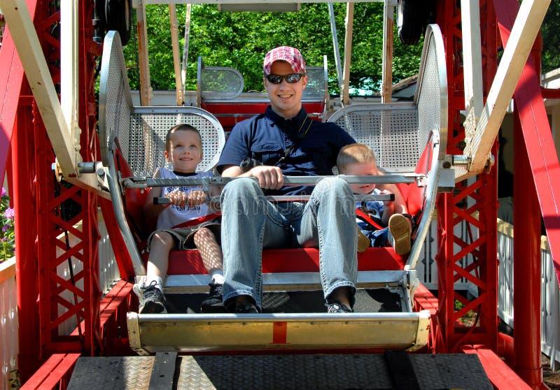 Cavaliers de parc d'attractions photos stock