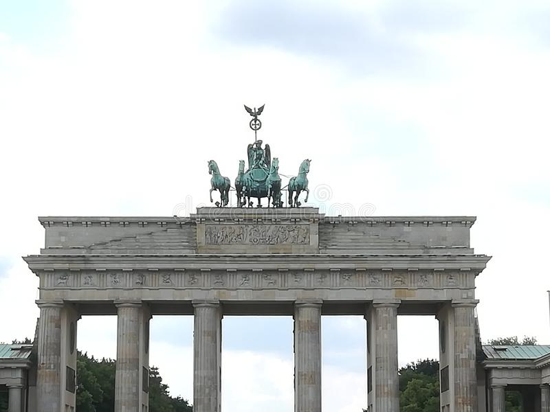 cavalli dei berlins del portone del brandenburger immagine stock libera da diritti