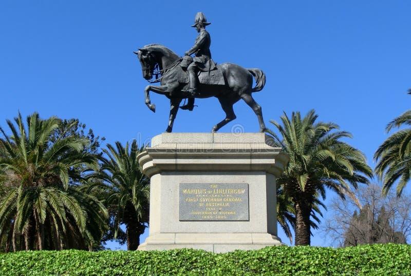 Cavallo da equitazione dell'uomo come in primo luogo governatore General dell'Australia, Melbourne immagini stock