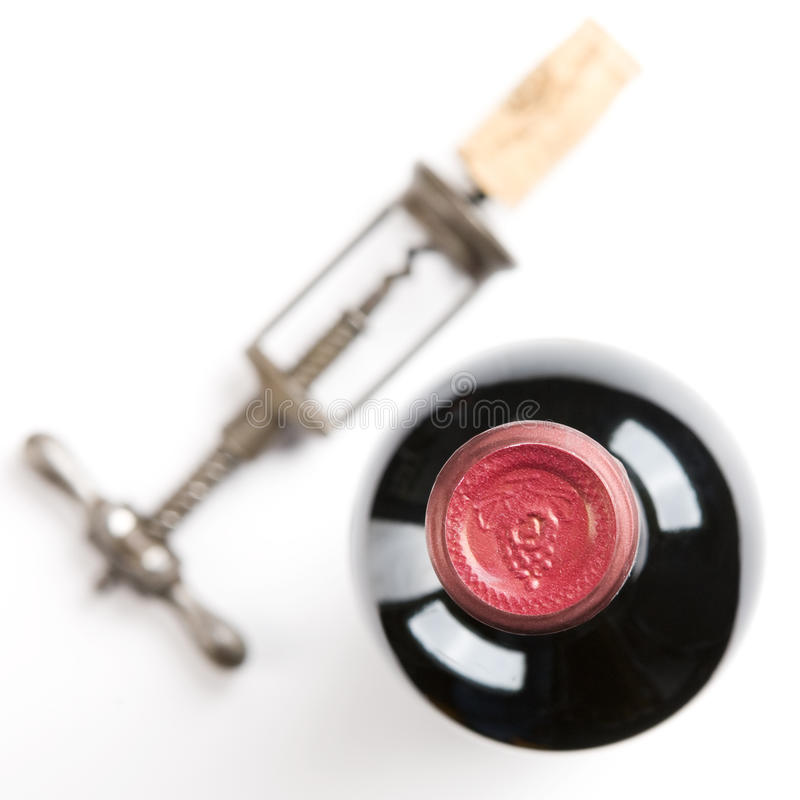 Cavaturaccioli con sughero. Bottiglia di vino. immagini stock
