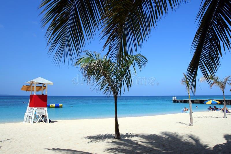 Cave Beach, Montego Bay, Jamaica del doctor fotografía de archivo
