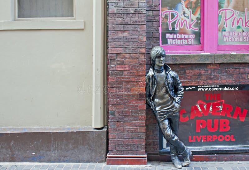 cavern świetlicowy John lennon na zewnątrz statuy zdjęcie royalty free