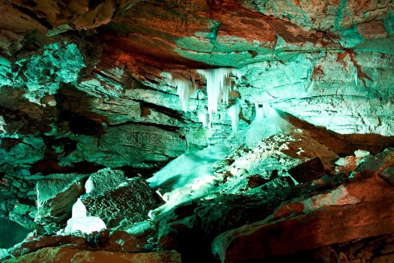 Caverna imagenes de archivo