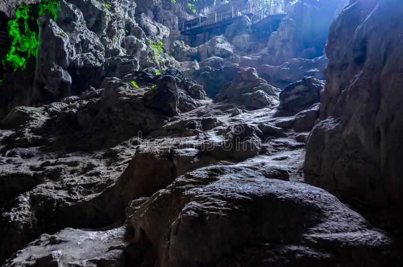 Caverna bonita na baía longa/Vietname do Ha fotos de stock royalty free