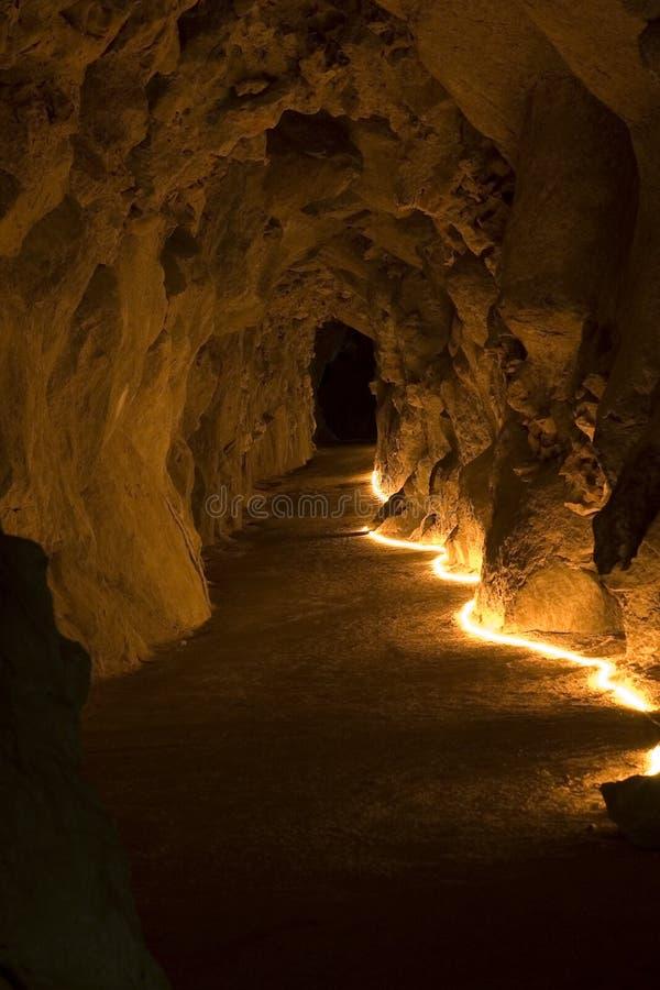 Caverna com luz imagem de stock royalty free