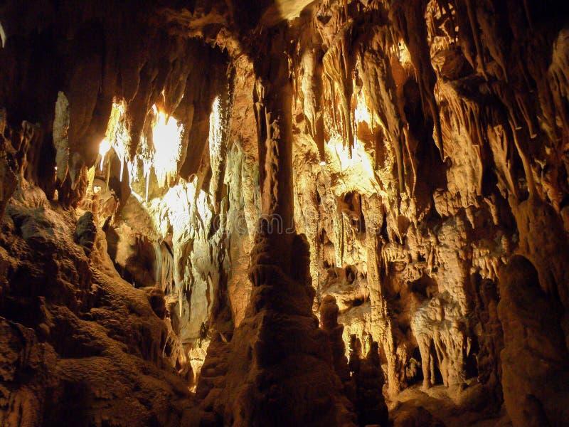 Caverna da estalactite e do estalagmite imagens de stock