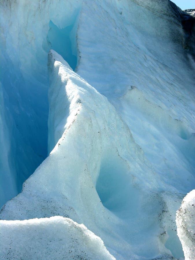 Caverna de gelo da geleira foto de stock
