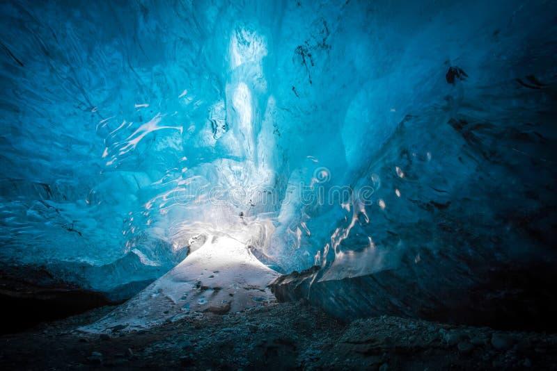 Caverna de gelo de Islândia fotos de stock royalty free