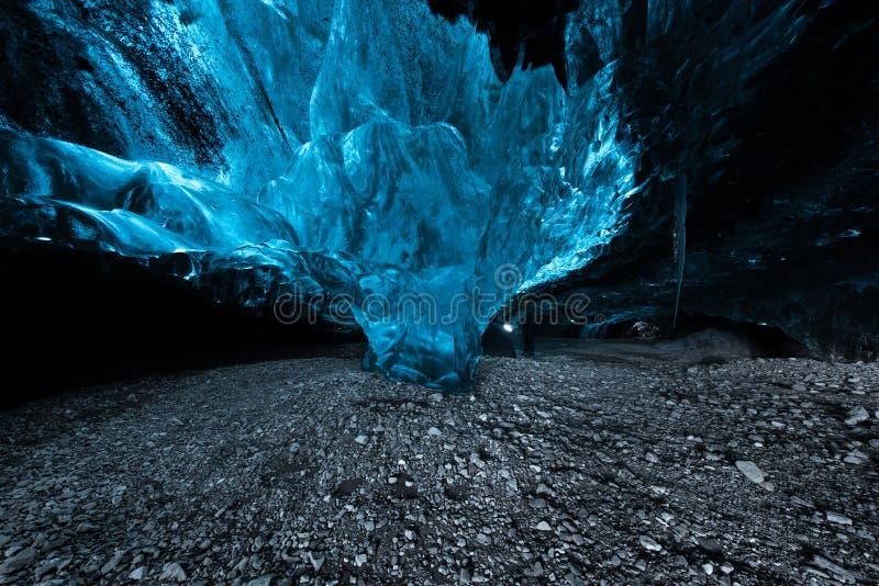 Caverna de gelo em Islândia foto de stock royalty free