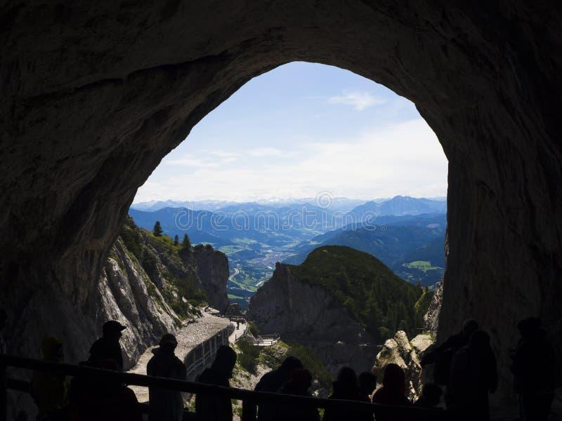 Caverna de gelo em Werfen imagem de stock
