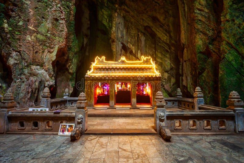 Caverna de m?rmore das montanhas em Danang fotos de stock royalty free