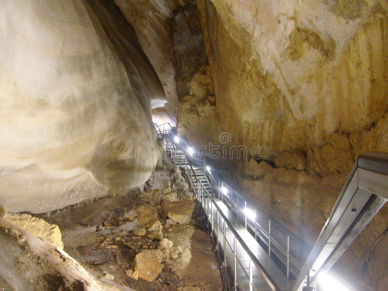 Caverna di ghiaccio del ¡ del inskà del ¡ di DobÅ immagine stock