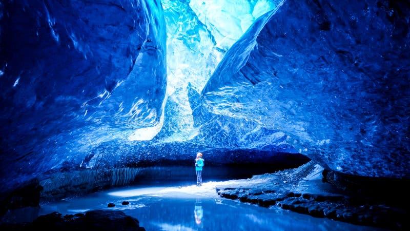 Caverna di ghiaccio dell'Islanda fotografie stock