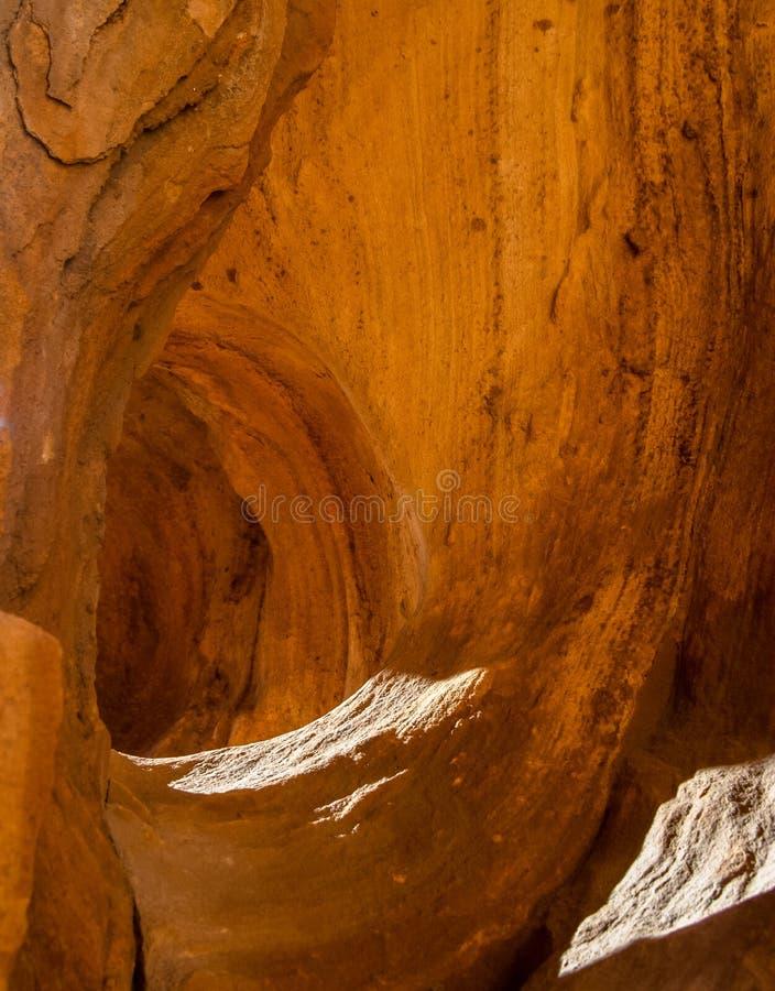 Caverna do vento no arenito asteca fotos de stock