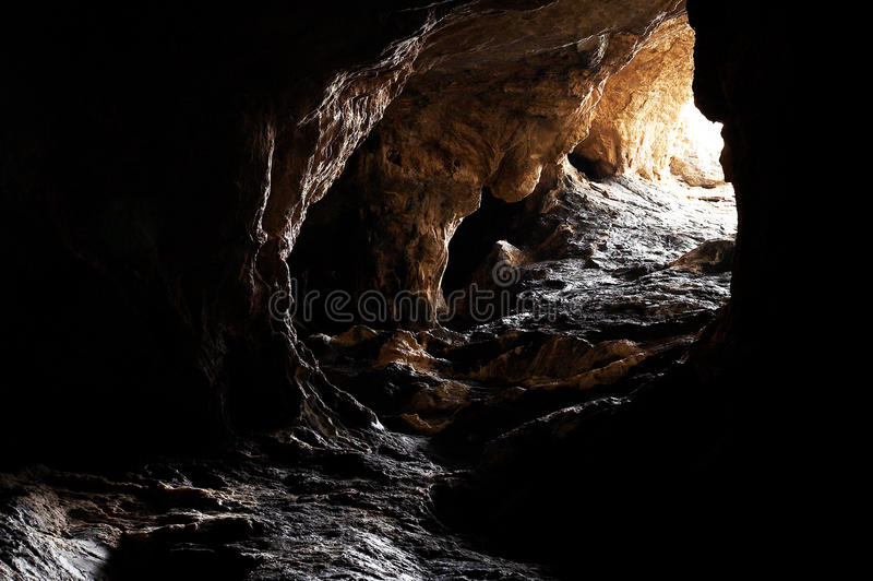 A caverna escura fotos de stock royalty free