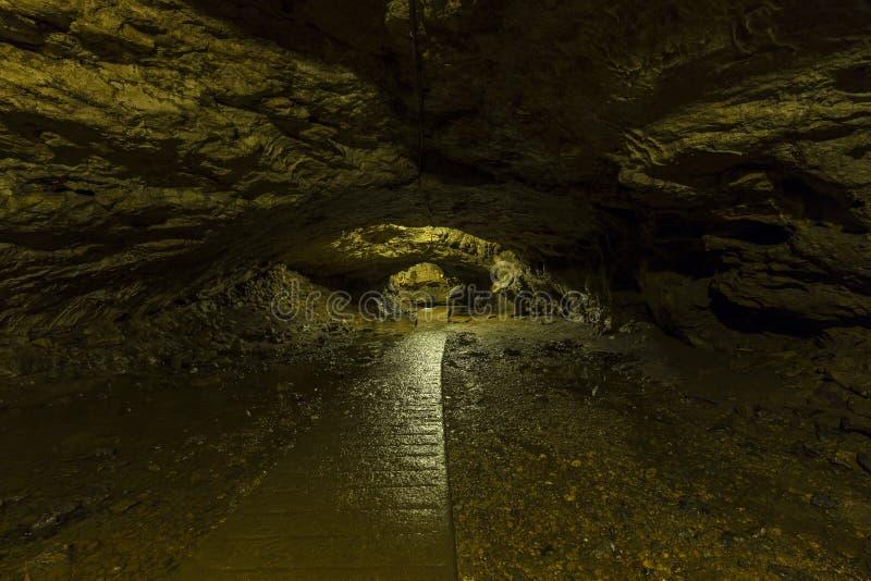 Caverna interna da fuga foto de stock