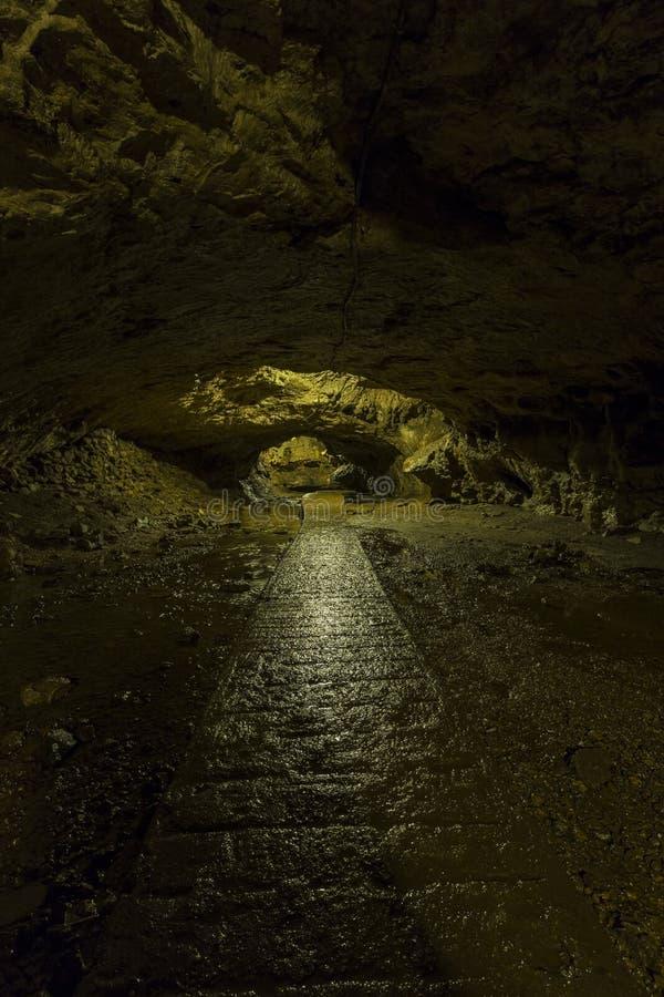 Caverna interna da fuga imagem de stock