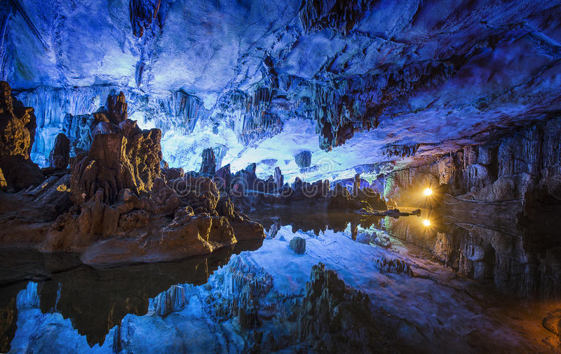 Caverna rossa della flauto, Guilin, Cina fotografia stock