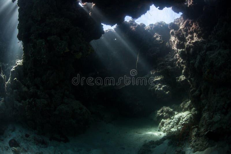 Caverna subaquática imagem de stock