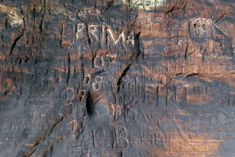 Caverna sulla traccia di escursione Eifelsteig fotografia stock libera da diritti