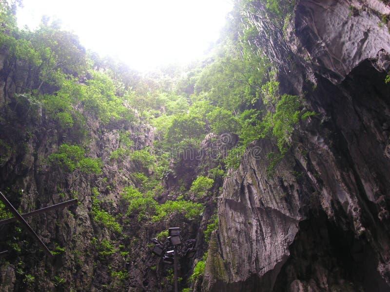 Download Cavernas 2 de Batu foto de stock. Imagem de pothole, malaysia - 108902