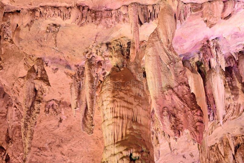 Cavernas da estalactite de Jiuxiang fotografia de stock