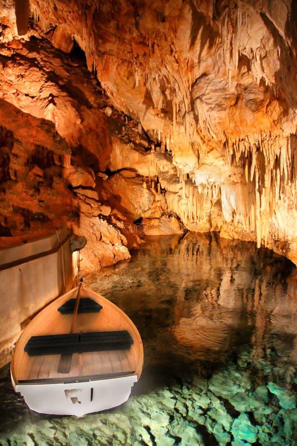 Cavernas de cristal em Bermuda imagem de stock royalty free