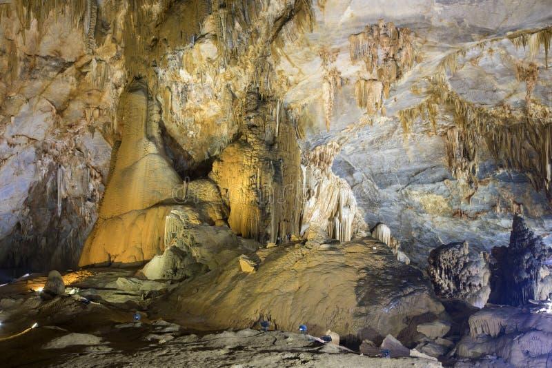 Cavernas de Paradise, Vietname fotos de stock royalty free