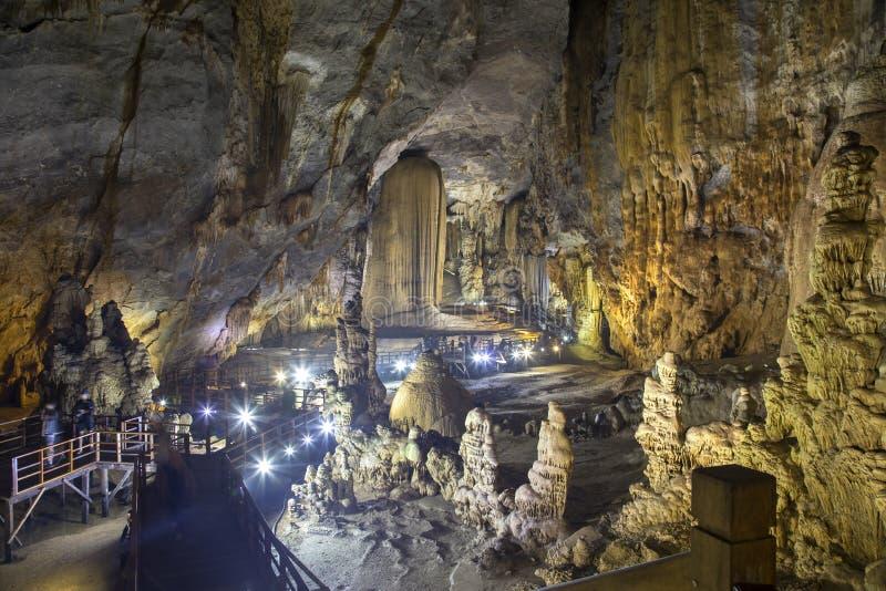 Cavernas de Paradise, Vietname imagem de stock