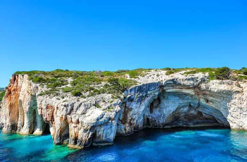 Cavernas famosas com águas claros na ilha de Zakynthos (Grécia) imagem de stock royalty free