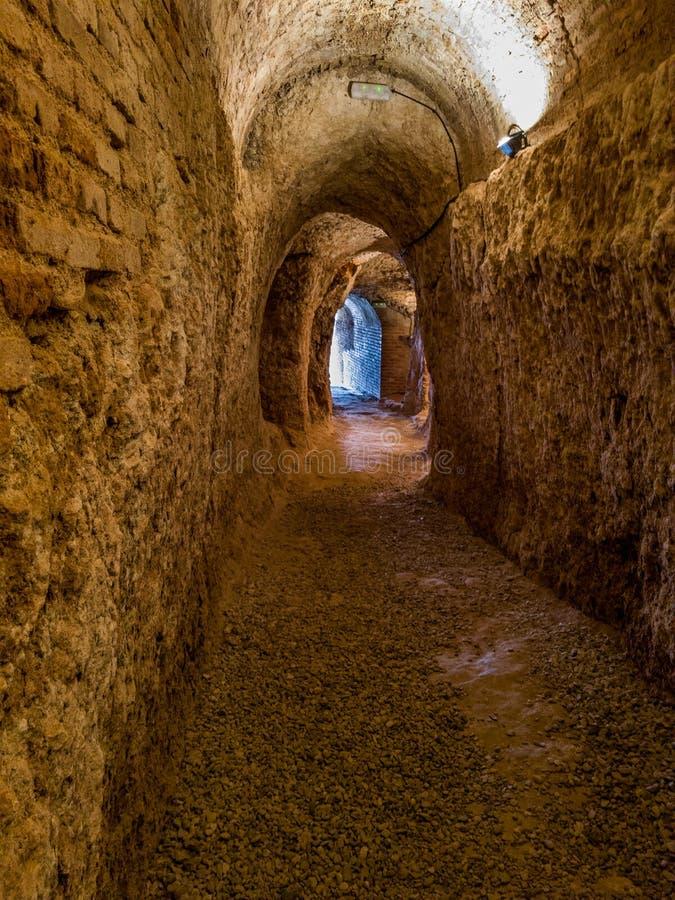 Cavernas naturais em Hita, Guadalajara, Espanha imagem de stock