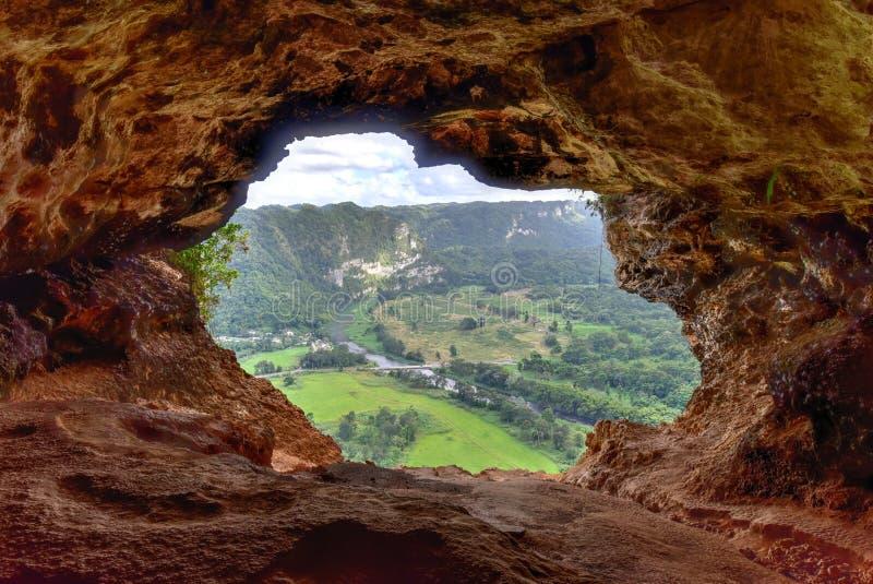 Caverne de fenêtre - Porto Rico photographie stock libre de droits
