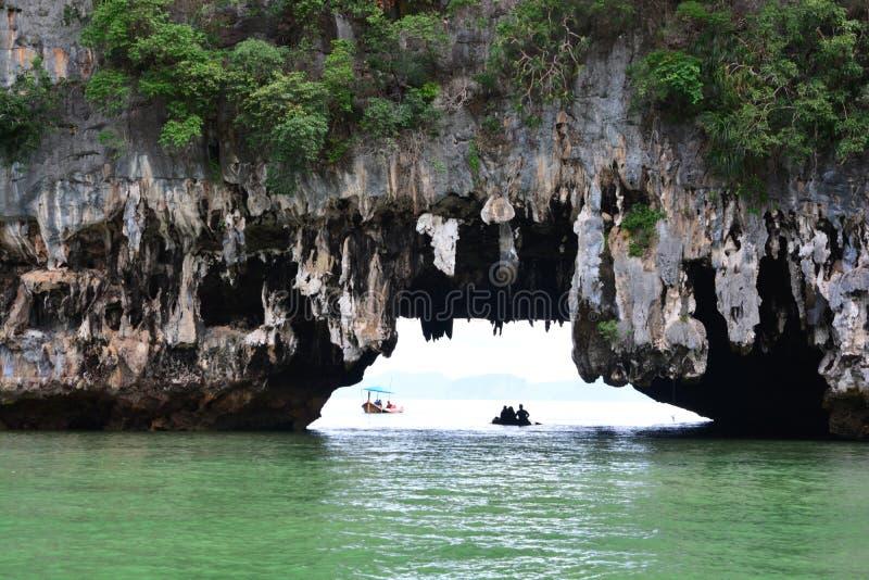 Download Caverne De Grotte De Tham Lod Yai Photo stock - Image du caverne, asie: 87702814